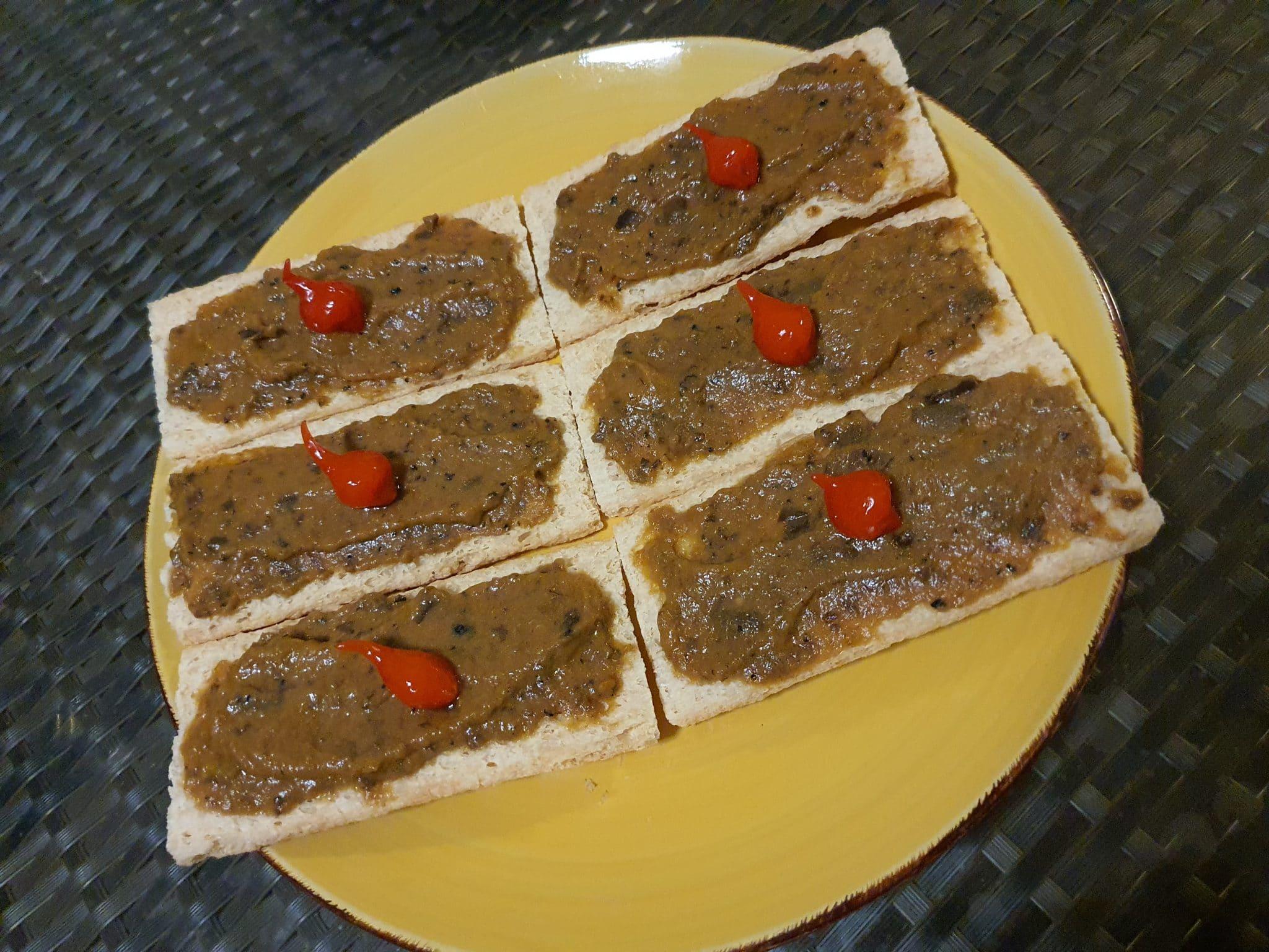 Toasts d'aubergine à la truffe blanche d'Alba